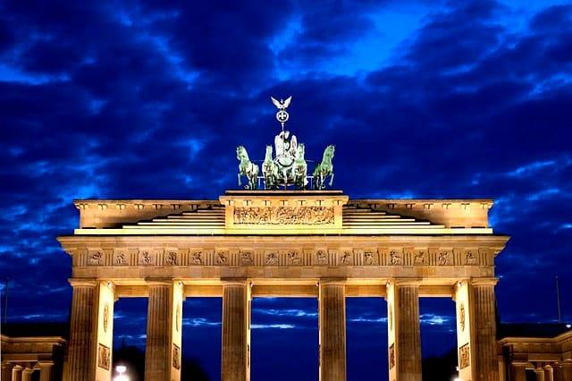 Berlin-weihnachtsfeier-teambuilding-teamevent-firmenevents-betriebsausflug-seminare-tagungen